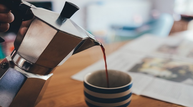All the tricks to make a great coffee at home and beautiful figure with guests